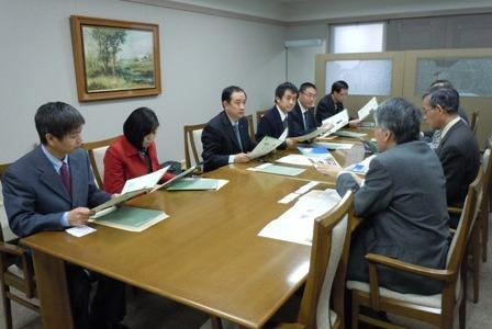 meeting1118.jpg